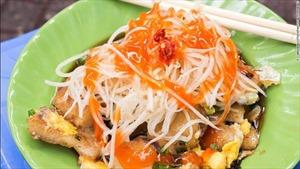 Hậu Tổng thống ăn bún chả, CNN gợi ý 10 món Việt nên thử