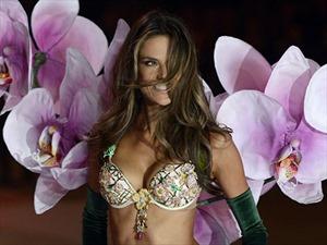 Phụ nữ nước nào ngực lớn nhất thế giới?