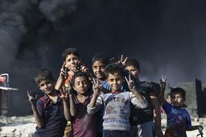 Những đứa trẻ của Mosul ngày chiến sự