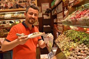 Thăm chợ gia vị nổi tiếng Spice Bazaar ở Istanbul