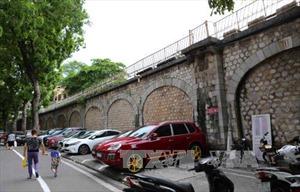 Đục thông 127 vòm cầu trăm năm tuổi trên phố Phùng Hưng