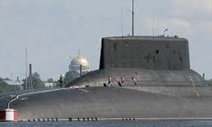 Tàu ngầm lớn nhất thế giới của Nga lừng lững vào căn cứ