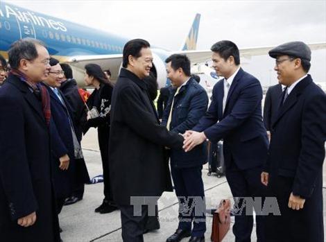 Thủ tướng Nguyễn Tấn Dũng tới Paris dự COP 21