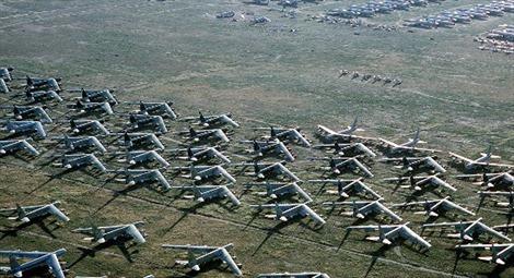 """Những """"bóng ma"""" từ """"nghĩa địa máy bay"""" có thể thay đổi cán cân Nga-Mỹ"""
