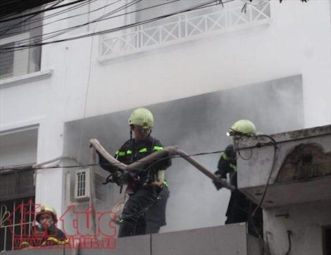 TP Hồ Chí Minh: Đóng cửa nghỉ lễ, 'bà hỏa' viếng thăm công ty