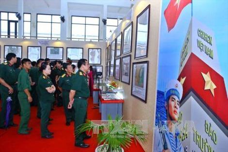 Quân khu 1 triển lãm bản đồ và tư liệu về Hoàng Sa, Trường Sa