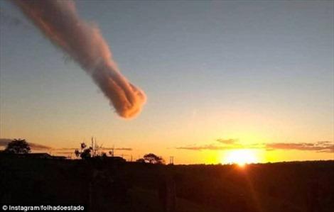Người dân Brazil sợ hãi trước 'bàn tay của Chúa' từ trên trời giáng xuống