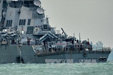 Hải quân Mỹ điều thợ lặn tìm kiếm thủy thủ mất tích
