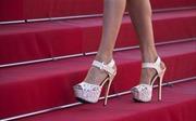 'Sàn diễn' giày cao gót lộng lẫy trên thảm đỏ Cannes