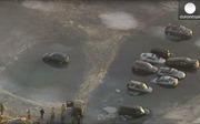 Người Mỹ dìm... xe hơi xuống hồ