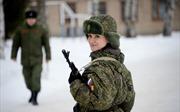 Vẻ đẹp nữ binh Nga dưới lớp quân trang