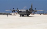 Trung Quốc ngang ngược điều máy bay vận tải ra đá Chữ Thập