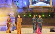 Mãn nhãn với đêm hội áo dài Festival Huế
