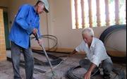 Lão nông nhiệt tâm xây cầu từ thiện