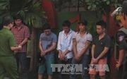 """Đột kích quán karaoke tại Hải Phòng, hàng chục """"dân chơi"""" đang """"bay"""""""