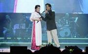 Anh Thơ ngưỡng mộ Chế Linh hơn 70 tuổi vẫn hát live tốt