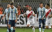 Brazil tạo mưa bàn thắng, Argentina gặp khó khi vắng Messi