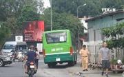 Chuyển làn bất ngờ, xe buýt gây tai nạn chết người