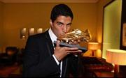 Suarez được trao danh hiệu Chiếc giầy Vàng