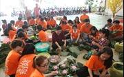 1.200 chiếc bánh chưng tặng người nghèo đón Tết