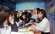 Nhiều học sinh Tuyên Quang được tư vấn tuyển sinh, hướng nghiệp