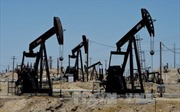 Sản lượng dầu Mỹ tăng, giá dầu thế giới vẫn đi lên