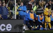 Thủ môn dự bị ăn bánh của Sutton bị Liên đoàn bóng đá Anh điều tra