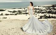 """""""Cô dâu"""" Nguyễn Oanh dịu dàng trong chiếc váy cưới đính 5.000 hạt pha lê"""