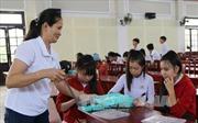 Nữ chủ tịch Hội Chữ thập đỏ tích cực giúp đỡ người nghèo