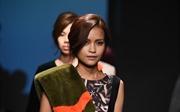 Ngắm Ngọc Châu tự tin trên sàn diễn Tuần lễ thời trang Seoul