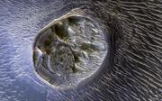 Bí ẩn 'vết sẹo' bất thường trên sao Hỏa