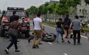 Đâm vào đuôi xe bán tải, đôi nam nữ chạy xe Ducati bị thương nặng