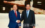 Thủ tướng Nguyễn Xuân Phúc hội đàm với Thủ tướng Campuchia