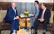 Thủ tướng Nguyễn Xuân Phúc gặp Thủ tướng Malaysia bên lề Hội nghị Cấp cao ASEAN