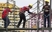 Lao động nước ngoài tại Singapore được tăng mức bồi thường bảo hiểm