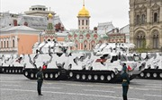 Uy lực vũ khí mới của Nga lần đầu 'lộ diện' trong lễ diễu binh