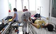Bến Tre: 38 công nhân nhập viện sau bữa ăn trưa