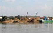 Hơn chục ha đất bị 'hà bá nuốt' trên thượng nguồn sông Đồng Nai