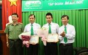 Dũng cảm bắt cướp, hai tài xế taxi được Công an TP Hồ Chí Minh khen thưởng