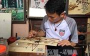 Chàng trai khuyết tật với niềm đam mê tranh gạo