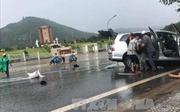 Vụ hai xe ô tô đấu đầu tại Lâm Đồng: Một nạn nhân đã tử vong