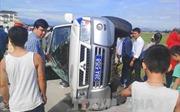 Hà Tĩnh: Xe 'điên' chèn lật nghiêng xe cảnh sát giao thông