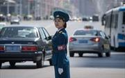 Nữ cảnh sát giao thông Triều Tiên phải đẹp, độc thân, 26 tuổi nghỉ hưu