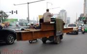 Chặn xe 3 bánh 'ngông ngênh' trên phố