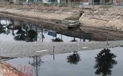 Sông Thủ đô 'thoi thóp' vì bùn, rác