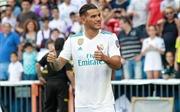 Tâng bóng lập bập, Theo Hernandez chịu sức ép từ sự nổi tiếng của Real