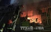 Hà Nội: Cháy lớn ở phố Vọng và Bệnh viện Bạch Mai, 2 người tử vong