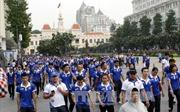 Hơn 5.000 đi bộ đồng hành cổ vũ đoàn thể thao Việt Nam