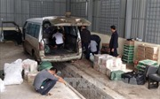 Quảng Nam bắt xe tải vận chuyển thực phẩm không rõ nguồn gốc