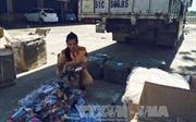 Bắt giữ xe tải chở hàng nghìn súng nhựa, kiếm nhựa đồ chơi
